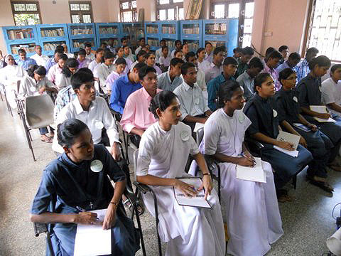 Encuentro formativo de novicias y novicios en la Archidiócesis de Goa, India.